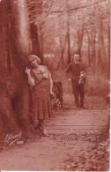 AK Liebespaar Im Park - 1926 (23020) - Couples