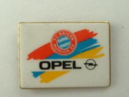 PIN´S  OPEL - SPONSOR F.C BAYERN DE MUNICH - Opel