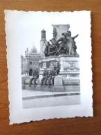 SAINT QUENTIN AISNE MONUMENT DEFENSE SOLDATS  ALLEMANDS  AVEC CASQUE VOIR SCANS - Photos