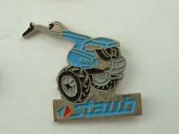 Pin´s AGRICULTURE - MOTOCULTEUR - STAUB - Pin's