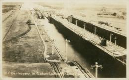 PA GATUN / Destroyers In Gatun Locks / CARTE GLACEE - Panama