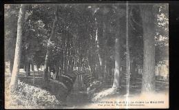 Pontchartrain - La Rivière La Mauldre - Vue Prise Du Pont De Chennevières     (trait Blanc Défaut Scan ) - Odd171 - France