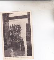 214 LE MONT SAINT MICHEL  ARRIVEE EN BARQUES  1933 - Le Mont Saint Michel