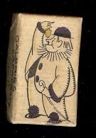 Petite Boîte En Carton Avec Un PIERROT Galeries LAFAYETTE  Je Ne Connais Pas Son Usage - Tabac (objets Liés)