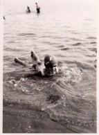 Photo Originale Plage Et Maillot De Bain - Bain & Bonnet De Bain Pour Jeune Baigneur Vers 1930 - - Objetos