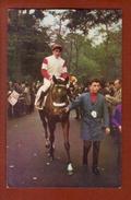 1 Cpa Postillon Calendrier Des Courses - Decembre 1967 Jc Desaint - Calendriers