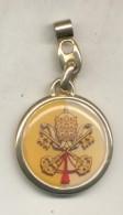 BENEDICTO XVI PAPA POPE - LLAVERO KEYRING YEAR 2013 TBE - ESCUDO DEL VATICANO - Other