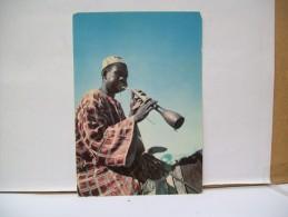 Jouant De La Flùte Mandarà  - Mora - Nord  Camerun - Camerun