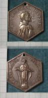 M_p> Medaglia Religiosa San Francesco D'Assisi , Altro Lato Santa Maria Degli Angeli, Forma Esagonale - Italia