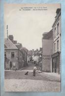 CPA - La Normandie - Villedieu (50) - 21. Rue Du Pont-de-Pierre - Villedieu