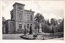 Boechout Gemeentehuis Met Monument Van Den Weerstand 1940 - 1945 Bergen-Belsen Blumenthal Breendonck Buchenwald Dachau - Boechout