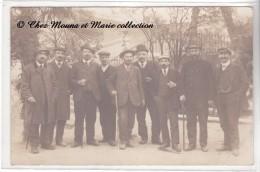 ST MAXIMIN - UN GROUPE - POUR VESOUL - VAR 83 - CARTE PHOTO - Autres Communes
