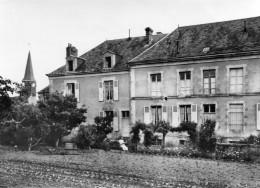 CPSM  -  NEUFCHATEL En SAOSNOIS  (72)   Communauté De L'Enfant Jésus    (  Vue Du Derrière De La Maison ) - France