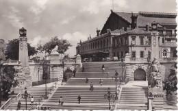 Marseille La Gare Saint Charles Et L'Escalier Monumental N° 13 CPSM - Canebière, Centre Ville