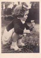 FILLETTE CUEILLANT DES FLEURS /n*370  ED. GANY (dil231) - Children