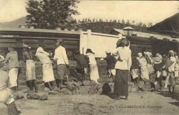 CEYLON - TALAWAKOLE - Un Train En Gare - Sri Lanka (Ceylon)