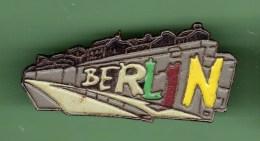 BERLIN *** LE MUR *** 0005 - Villes