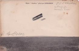 """LEMASSON - CP AVEC SIGNATURE - """" BIPLAN CAUDRON PILOTÉ PAR LEMASSON - Autographe - Autógrafos"""