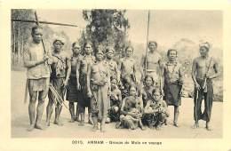 ANNAM , Groupe De Moïs En Voyage , Femmes Seins Nus ,  * 313 40 - Vietnam