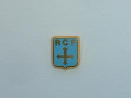 Pin's PETIT LOGO R.C.F. - Otros