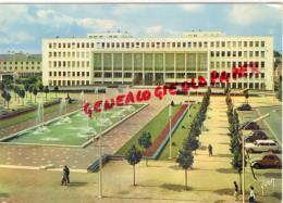 44 -  SAINT NAZAIRE - L' HOTEL DE VILLE ET SES JETS D' EAU - Saint Nazaire