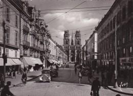 45. ORLEANS. ANIMATION. VOITURES  RUE JEANNE D'ARC. ANNEE 1950 + TEXTE - Orleans