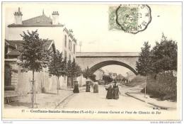 78 --- CONFLANS - SAINTE - HONORINE --- Avenue Carnot Et Pont Du Chemin De Fer -- V179 - Conflans Saint Honorine
