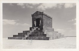 Serbie - Avala - Militaria Monument Marbre Noir Tombeau Du Soldat Inconnu - Serbie