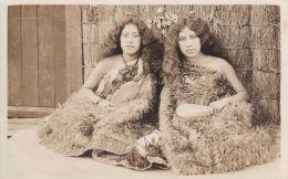 RPPC REAL PHOTO POSTCARD MAORI WOMEN HINI & MARY HOLDING KOTIATE & MERE WEAPONS - New Zealand