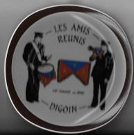 Assiette Les Amis Réunis 71 Digoin - Assiettes