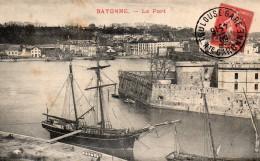 1864. CPA 64 BAYONNE. LE PORT. - Bayonne