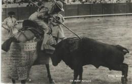 Un Buen Puyazo.  Spain.  Used 1956    S-2671 - Corrida