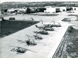 Photo Exploitation 18x24cm  SUD AVIATION - 6 Hélicoptères Djinn, Alouette, Lama, Frelon, Puma - Aviación