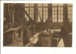 Woluwe Saint Pierre Institut Saint Georges  Atelier De Menuiserie Les Machines - Woluwe-St-Pierre - St-Pieters-Woluwe