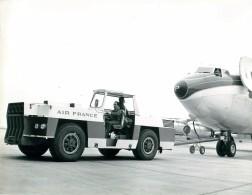 Photo Exploitation 18x24cm  Tracteur SINPAR SD12 Et Caravelle - Aviation