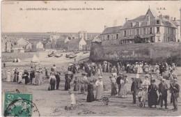 ARROMANCHES - Sur La Plage, Concours De Forts De Sable - Hôtel De La Marne - Très Animé - Arromanches