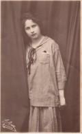 Carte Photo Originale Femme - Portrait - Belle Jeune Femme - Helene Gabler En 1920 - - Personnes Identifiées