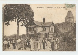 88 Dép.- La Sortie Des Ouvriers De La Filature De Vincey. Carte Postale Ayant Voyagé En 1906, Dos Séparé, Quelques Trace - Vincey
