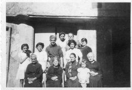 65Cha   04 Volonne Photo De Famille Soldat Dans Une Rue Du Village - Photos