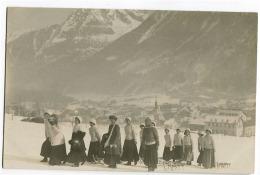 14 Jeunes Femmes Partant Pour La Neige Genève Vraie Photo As De Trèfles 1911 Luges / Sledges - GE Genf