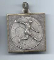 Médaille/ Foot-Ball/ FCR / Mai 1983         SPO98 - Soccer