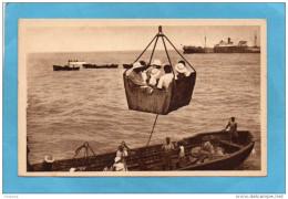 DAHOMEY- COTONOU-scène D´embarquement Des Passagers  Par Panier--années  30-édition  Toulbon -Marseille - Dahome