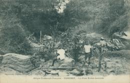 BJ BENIN DIVERS / Lit D'une Rivière Desséchée / - Benin