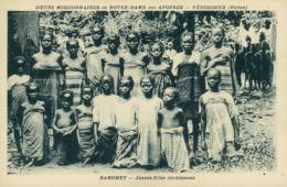 BJ BENIN DIVERS / Jeunes Filles Chrétiennes / - Benin