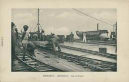 BJ COTONOU / Sur Le Wharf / - Benin