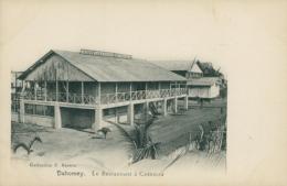 BJ COTONOU / Le Restaurant à Cotonou / - Benin