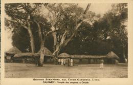 BJ OUIDAH / Temple Des Serpents à Ouidah / - Benin