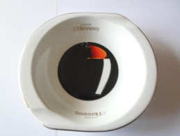 CENDRIER COGNAC HENNESY DE BERNARDAUD LIMOGES - Porcelaine