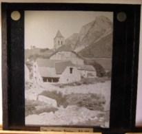 Plaque  De Verre - Espagne - Haut  Aragon -  Bielsa -  L´ église( Format  8.5 X 8 Cm ) - Plaques De Verre