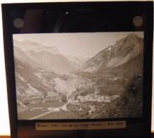 Plaque  De Verre - Espagne - Haut  Aragon -  Bielsa  Vu  Du  Col De La  Cruz ( Format  8.5 X 8 Cm ) - Plaques De Verre